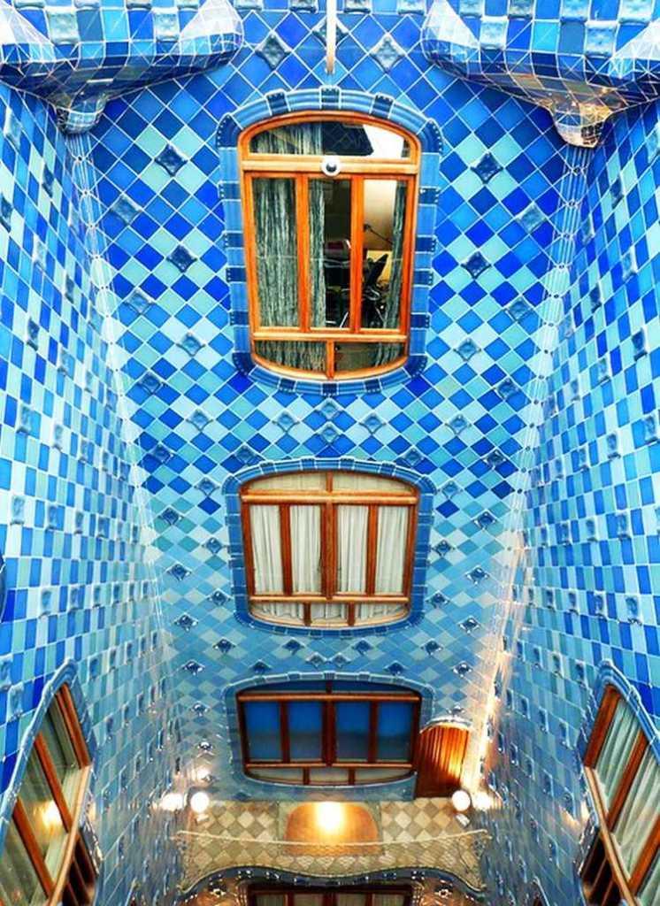 Casa Batllo central atrium