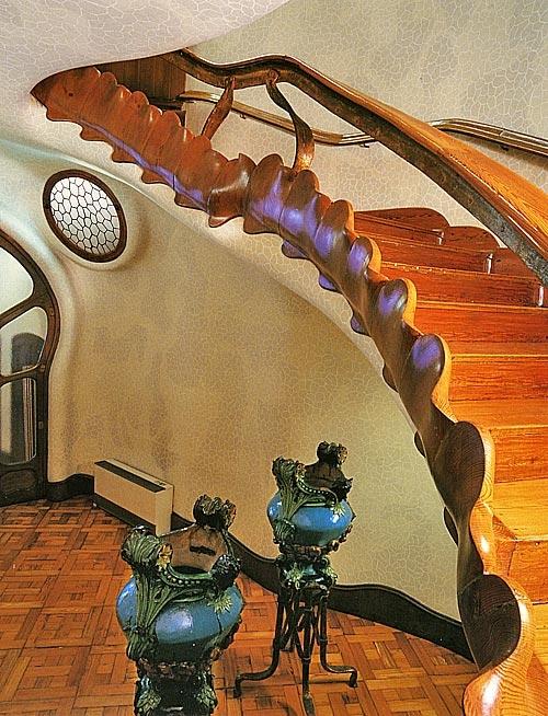 casa batllo dragon staircase